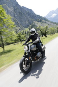 BMW R nineT Scrambler Riding Alps